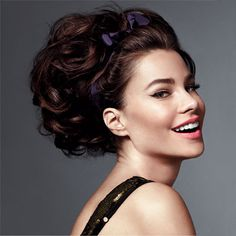 Volume and texture are the keys to #SophiaVergara's flattering updo—and hot rollers make them a cinch to achieve. http://www.instyle.com/instyle/package/general/photos/0,,20366921_20439320_20870868,00.html