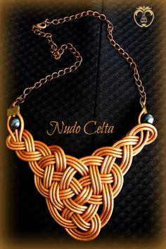 Collar Nudo Celta Bronce/Cuero/Perlas/Cadena por IdunnBijoux