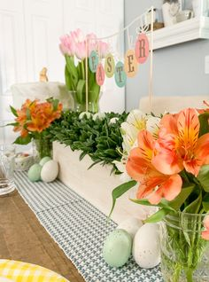 This gorgeous farmhouse style Easter Tablescape is easy to recreate with tips from Everyday Party Magazine #Easter #Tablescape #Farmhouse