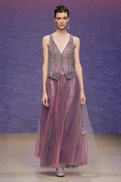 High Fashion, Fashion Show, Armani Prive, Giorgio Armani, Everyday Fashion, Catwalk, Ready To Wear, Women Wear, Vogue