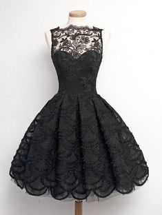 Bateau Sheer Neck Sleeveless A-line Knee Length Lace Prom Dress/Homecoming Dress ==