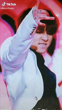 Foto Jungkook, Jungkook Songs, Jeon Jungkook Hot, Bts Aegyo, Jungkook Abs, Kookie Bts, Bts Taehyung, Hoseok Bts, Princesas Disney Hipster