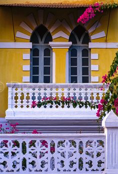 Goa - Balcony - Inspiration of Portugese Colonial Architecture Vintage Architecture, Colonial Architecture, Ancient Architecture, Architecture Design, Tropical Homes, Nazriya Nazim, India House, Mould Design, Architectural Sketches