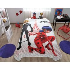 If I weren't the age that I am this would a thousand percent be my room Ladybug Room, Meraculous Ladybug, Ladybug Comics, Ladybug Crafts, Miraculous Ladybug Costume, Miraculous Ladybug Memes, Mochila Do Pokemon, Les Miraculous, Barbie Doll Set