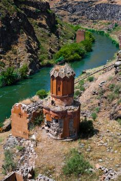 Ani, city of 1001 churches - Bridge in Ani ancient Armenia now Turkey Armenian History, Armenian Culture, Wonderful Places, Beautiful Places, Armenia Travel, Oman Travel, Turkey Places, Abandoned Churches, Sri Lanka
