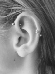 21 forward helix piercing examples with information pinterest tatuajes en la oreja la oreja. Black Bedroom Furniture Sets. Home Design Ideas