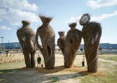 living tree art   ... : Patrick Dougherty's Mind-Blowing Nest Houses Made of Living Tr