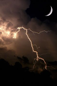 Moon and lightning dark storm night clouds lightning moon More - LandScape Night Clouds, Night Skies, Storm Clouds, All Nature, Amazing Nature, Beautiful Moon, Beautiful World, Thunder And Lightning, Lightning Storms