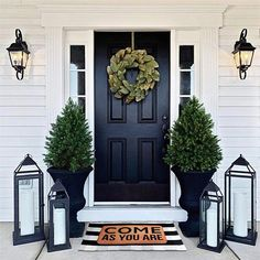 farmhouse front door entrance design ideas tips on selecting your front doors 39 ~ Top Design Front Door Porch, Front Porch Design, Front Door Entrance, Front Door Decor, Fromt Porch Decor, Planters For Front Porch, Front Patio Ideas, Fromt Porch Ideas, Outdoor Entryway Decor