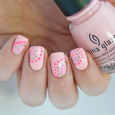 Having short nails is extremely practical. The problem is so many nail art and manicure designs that you'll find online Nails Now, Love Nails, Pink Nails, Pretty Nails, My Nails, Dot Nail Art, Polka Dot Nails, Polka Dots, Nail Art Designs 2016