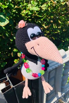 СХЕМА вязания вороны Алёны крючком #амигуруми #схемыамигуруми #вязанаяигрушка #игрушкикрючком #вязанаяворона #воронакрючком #amigurumipattern #crochetpattern #amigurumicrow #crochetcrow Amigurumi Doll Pattern, Crochet Hats, Tejidos, Raven, Knitting Hats