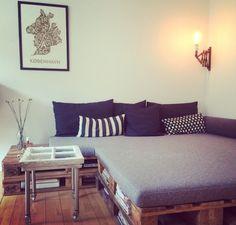 Pallet DIY sofa