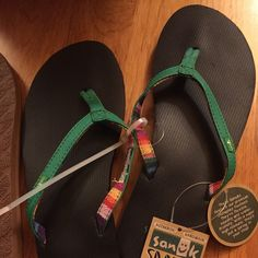 Sanuk Flip Flops! ✨Brand New✨ Never worn and tags still attached! Sanuk Shoes Sandals