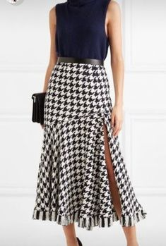 Skirt Fashion, African Fashion, Dress Making, Ideias Fashion, High Waisted Skirt, Style Inspiration, Couture, Black And White, Sewing