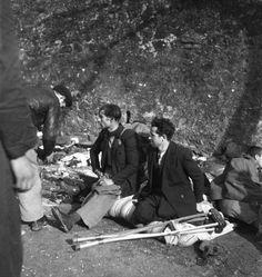 Spain - - GC - Émile Savitry - Spanish refugees, Le Perthus near Perpignan. Nerja Spain, World War Ii, St Louis, Old Photos, Documentaries, Black And White, Madrid, Pictures, War