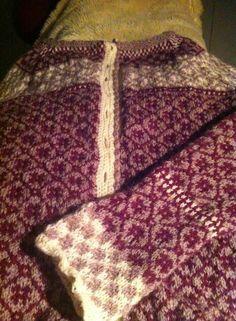Kofte skal bli Fair Isle Knitting Patterns, Sweaters For Women, Women's Sweaters, Knitting Projects, Needlepoint, Knit Crochet, Sewing, Knits, Crocheting