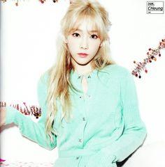 #Snsd #TaeTiSeo #Taeyeon #DearSanta