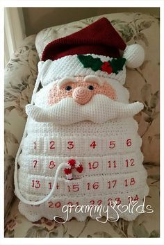 I love this Santa Countdown pillow! Going to make it for all the little ones in…