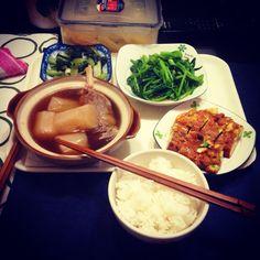 2015/11/22 #朝ご飯   #早餐  日本高菜漬け、清炒菠菜、燉蘿蔔排骨、菜脯蛋卷!