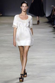Chloé Spring 2006 Ready-to-Wear Fashion Show - Marta Berzkalna (CITY)