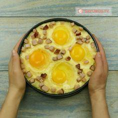 Mamaliga in straturi (Taci si inghite)- așa mămăligă delicioasă nu ai mai mâncat până acum! - savuros.info Mai, Pineapple, Eggs, Cooking, Breakfast, Recipes, Food, Kitchen, Morning Coffee
