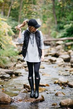 cbcf28138e5 what to wear on a casual day outfit rainy day outfit idea hunter boots  outfit baseball cap fall layering hunter boots matte rain boots grey hoodie  and ...