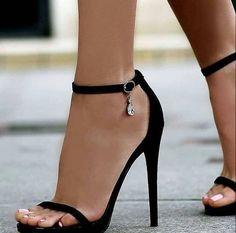 Frühling, Frühling - Hot Heels - - s h o e s ♡ Hot Heels, Lace Up Heels, Sexy Heels, Pumps Heels, Stiletto Heels, Nice Heels, Sandal Heels, Heeled Sandals, Pretty Shoes