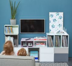 Regalsysteme als TV-Möbel / Shelving system as TV furniture / Unité multimédia Cubit