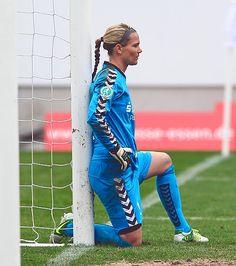 Goalie - Ashlyn Harris - Soccer