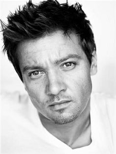 Jeremy Renner - those eyes are killing me :)