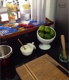 Bar de caipirinhas para cada convidado fazer seu drink Bar Drinks, Pasta, Tableware, Julia, Need A Vacation, Husband Birthday, Bean Stew, Box Lunches, Recipes