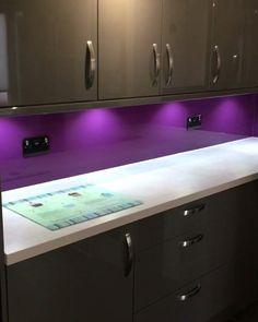 Kitchen Splashback Ideas, Backsplash Ideas, Kitchen Backsplash, Kitchen Ideas, Kitchen Design, Kitchen Decor, Kitchen Renovations, Kitchen Remodel, Coloured Glass Splashbacks
