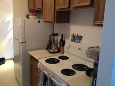 Downtown, Inner-City, SW Apartment; Monthly Rent: $1740; 2 bedrooms, 1 bathroom. Rental Property, Townhouse, Bedrooms, Kitchen Appliances, Bathroom, City, Home, Cooking Ware, Washroom