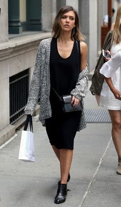 Jessica Alba Photos - Jessica Alba Spotted Out in New York - Zimbio