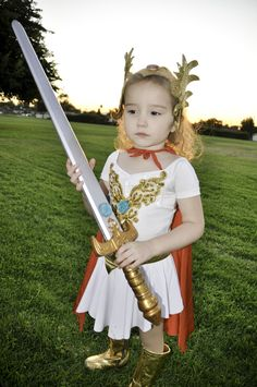 she-ra little girl costume Cool Costumes, Costume Ideas, Halloween Costumes, Halloween Ideas, Halloween 2019, Happy Halloween, She Ra Costume, Little Girl Costumes, Baby Cosplay