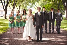 I like this pose for the bridal party.  Just seems a bit different with the bride and groom up front. :)
