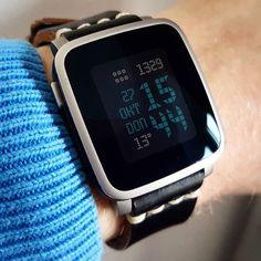 """watchttmm"" #Watchface by @ttmmaftertime with a black @primria_design #watchband on #PebbleTimeSteel #pebble #smartwatch #pebbletime #watchfaces Pebble Smartwatch Watchfaces"