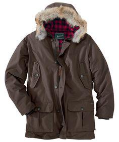 Woolrich Men s Arctic Parka (model 16107) – Dark Wood Parka Duvet,  Vêtements Pour 25c69566193