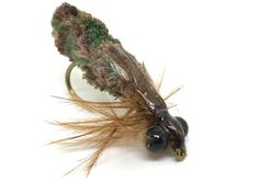 Flies using dust mop material have been around for many years now. Mop flies as they are known, are embraced by some and scorned by others. Dragonfly Larvae, Carp Flies, Fly Tying Desk, Aquatic Insects, Kayaking Gear, Fly Tying Patterns, Fly Fishing, Fishing Lures, Nymphs
