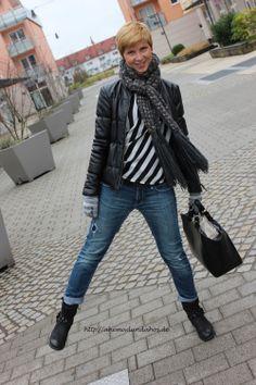 #blackandwhite #silk #stripes http://ahemadundahos.de