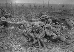 WWI, 11 Oct Exhausted stretcher bearers from the Australian Division rest in the mud and drizzle of Broodseinde Ridge, during the Third Battle of Ypres (Passchendaele). World War One, First World, Old World, Battle Of Passchendaele, Battle Of Ypres, Ww1 History, Military History, Man Of War, Lest We Forget
