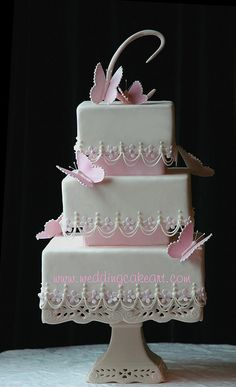 Beautiful pink cake.  I love the pink separators.