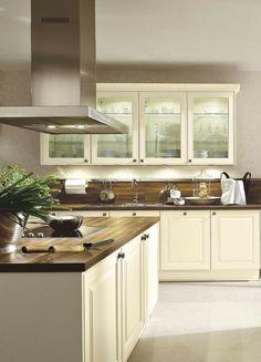 Landhaus, Landhausstil, Landhausküche, Küche, Küchentrend, Trend,  Holzfront, Weiß,