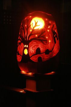 Really cool pumpkin carving! I could never do this!!!