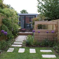 Rosemary Coldstream Wargrave Garden 1 (LR)