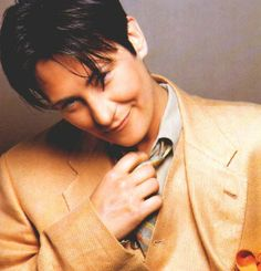 K.D. Lang... what a voice. Saw her at Radio City Music Hall in early 90's and then again last year at the Portsmouth Music Hall in NH. Her voice has not changed an iota. Thrilling.    Google Image Result for http://venus.provocateuse.com/images/photos/kd_lang_09.jpg