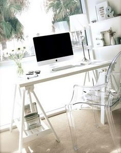 Office Contrasto legno/plastica Louis Ghost Chair Ikea table/w