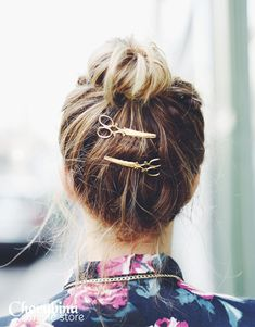 Love these scissor hair pins!