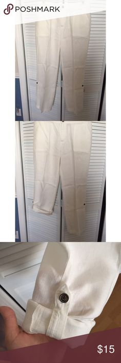 Merona white linen pants Merona white linen pants with adjustable pant legs. All prices are negotiable but please use the OFFER button in order to make me a different offer. I will do bundles just let me know what you are interested in but NO trades 😀 Merona Pants