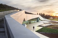 The new International Centre for Cave Art in Southern France features a replica of the 20,000-year-old cave paintings found in the Lascaux Caves.